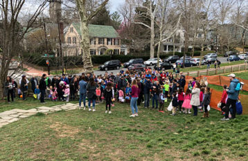 Easter Egg Hunting crowd 2018